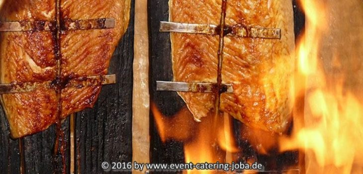 catering mit flammlachs bei big dutchman event catering joba. Black Bedroom Furniture Sets. Home Design Ideas